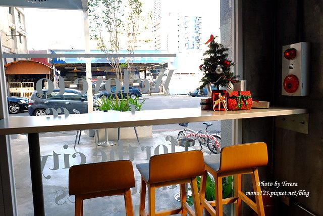 1447862763 267988417 - 【台中西區.義式餐廳】Isit.做咖啡系列三號店,一樓有美式餐廳的歡樂氛圍,二樓是安靜空間,整體環境大氣又舒適(已歇業)