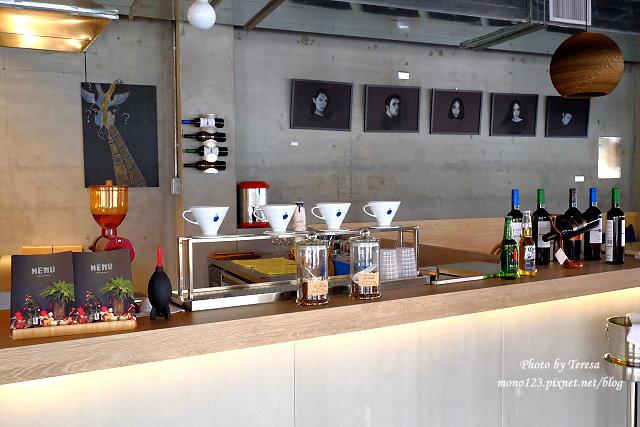 1447862786 3307872166 - 【台中西區.義式餐廳】Isit.做咖啡系列三號店,一樓有美式餐廳的歡樂氛圍,二樓是安靜空間,整體環境大氣又舒適(已歇業)
