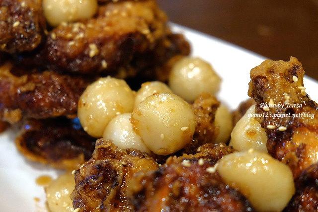 1461596687 3553253664 - 【台中逢甲】朴大哥的韓式炸雞.逢甲名店朴大哥搬新家囉,新店環境寬敞乾淨,炸雞一樣酥脆好吃,辣的不辣的通通有,還有甜甜的馬格利里酒