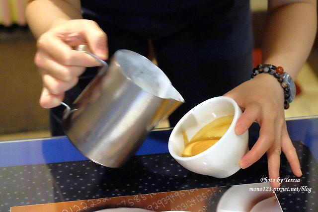 1469379029 482414975 - 【台中豐原】黃金咖啡館.咖啡拉花達人美技,現場表演桌邊拉花,杯杯是創意、杯杯是驚喜,近廟東商圈、太平洋百貨