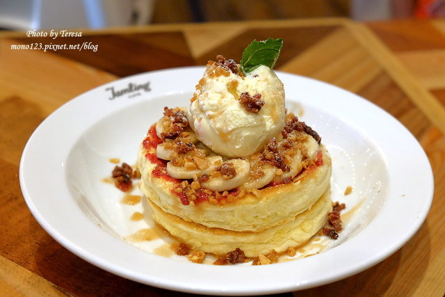 1471021152 3126793970 - 【台中西區.下午茶】Jamling Cafe.東京的人氣鬆餅來台中囉,膨鬆軟綿有蛋香,鹹甜都是好滋味