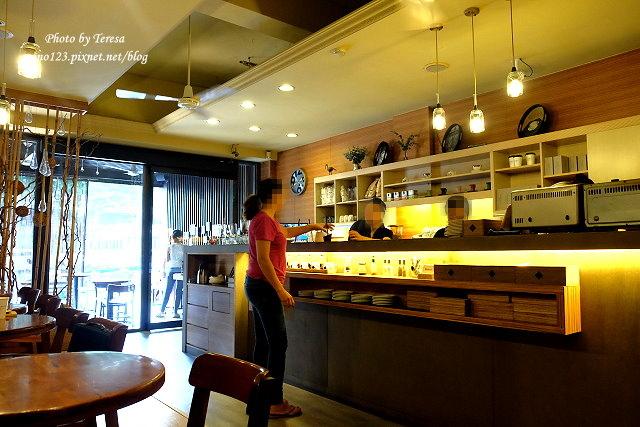 1476201076 3576152917 - 【台中西區.早午餐】憲賣咖啡 send smile coffee@華美店.份量精緻食量大的可能會吃不飽