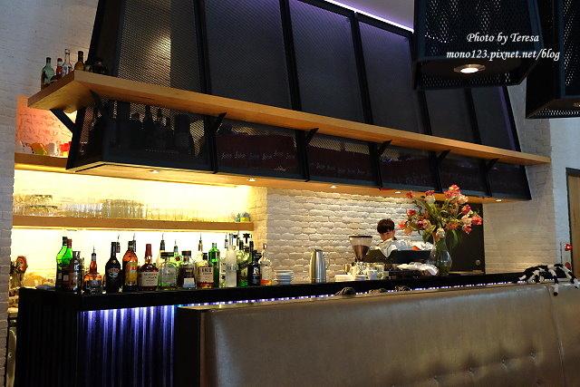 1476466657 4214752014 - 【台中西區.餐酒館】bistro 88義法餐酒館.有慵懶氛圍的餐酒館,早餐還有龍蝦三明治