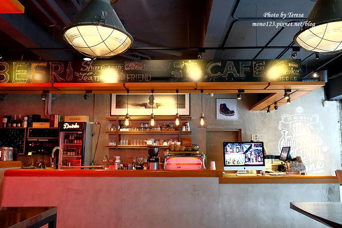 1477583970 1510618558 - 【台中北區.餐酒館】Emma`s Cafe.美式工業風格的餐酒館,早午餐、義大利麵、燉飯都有,晚上還有龍蝦三明治,近中國醫藥大學、中友百貨