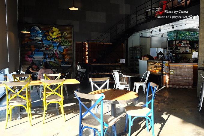 1478448416 3979655871 - 【台中西屯.下午茶】手樂S.L CAF`E.中科附近工業風格的咖啡館,有全時段的輕食和午後嚴選的甜點,咖啡有厚度~