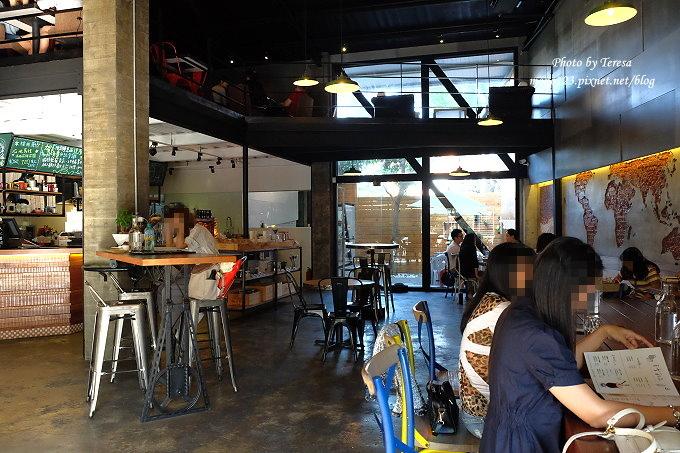 1478448418 3770713387 - 【台中西屯.下午茶】手樂S.L CAF`E.中科附近工業風格的咖啡館,有全時段的輕食和午後嚴選的甜點,咖啡有厚度~