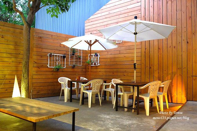1478448424 314988184 - 【台中西屯.下午茶】手樂S.L CAF`E.中科附近工業風格的咖啡館,有全時段的輕食和午後嚴選的甜點,咖啡有厚度~
