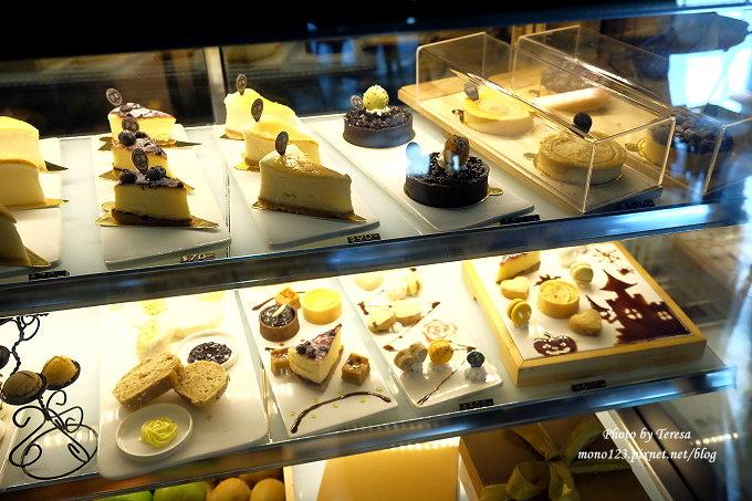 1478448436 3058132689 - 【台中西屯.下午茶】手樂S.L CAF`E.中科附近工業風格的咖啡館,有全時段的輕食和午後嚴選的甜點,咖啡有厚度~