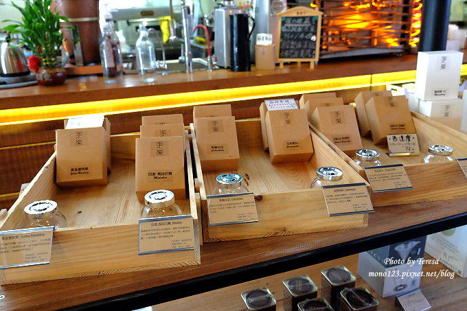 1478448442 596639403 - 【台中西屯.下午茶】手樂S.L CAF`E.中科附近工業風格的咖啡館,有全時段的輕食和午後嚴選的甜點,咖啡有厚度~