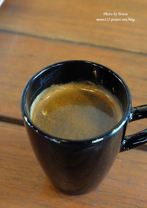 1478448490 1474336250 - 【台中西屯.下午茶】手樂S.L CAF`E.中科附近工業風格的咖啡館,有全時段的輕食和午後嚴選的甜點,咖啡有厚度~