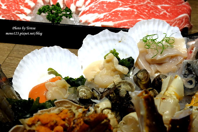 1481908344 4272271918 - 熱血採訪︱鮨樂海鮮市場 火鍋.新鮮食材看得到,四人海陸套餐豪華又霸氣,火鍋、日本料理、串燒、超市這裡通通有