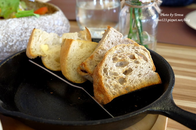 1482770613 2513635934 - 熱血採訪︱米樹南法莊園.黃色城堡裡以家的溫度為出發點的法式料理,每日下午有熱騰騰的窯烤麵包出爐,近大坑圓環、九號步道