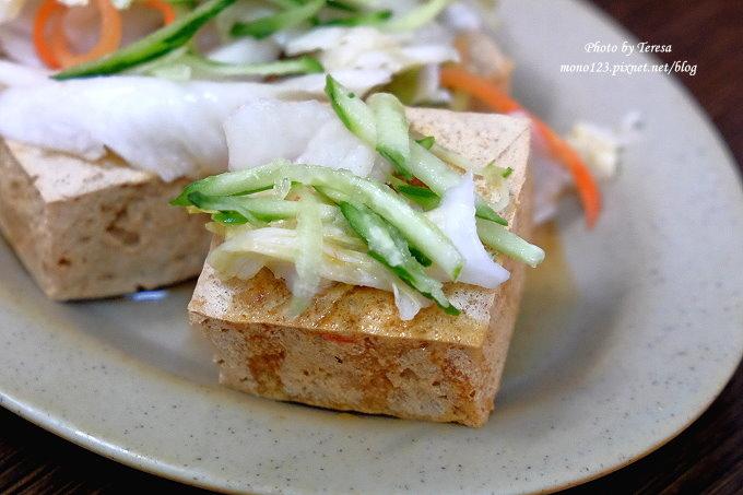 1483457517 2854874079 - 台中北屯︱二煱臭豆腐 蚵仔麵線.又酥又香又臭又不油膩的臭豆腐,還有好吃的麵線