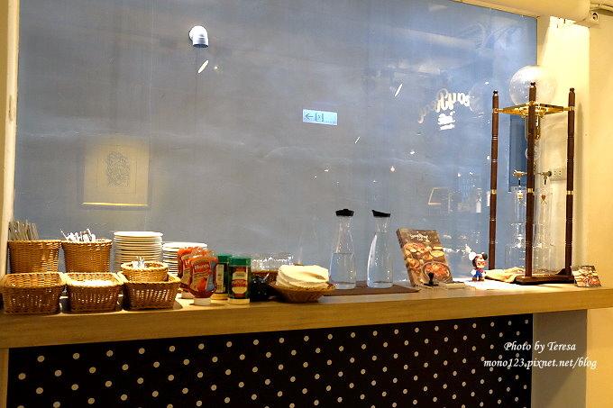1485181549 1709680551 - 台中北區︱STAYREAL Cafe@一中店.五月天阿信所經營的潮牌店,一樓是服飾店,二樓是咖啡館