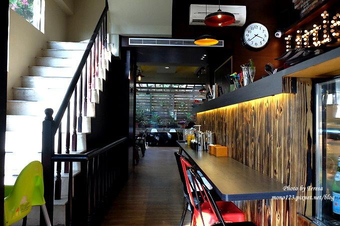 1485181918 2837315345 - 台中西屯︱小紐約 Little N. Y. Cafe.中科商圈的義式餐廳,供應早午餐、義大利麵、燉飯和下午茶,可以從早午餐一路吃到下午茶,台中牛排館斜對面