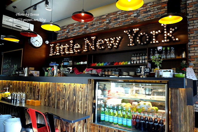 1485181929 1552819273 - 台中西屯︱小紐約 Little N. Y. Cafe.中科商圈的義式餐廳,供應早午餐、義大利麵、燉飯和下午茶,可以從早午餐一路吃到下午茶,台中牛排館斜對面