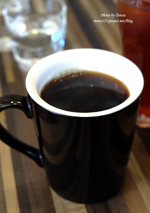 1485181957 3096160685 - 台中西屯︱小紐約 Little N. Y. Cafe.中科商圈的義式餐廳,供應早午餐、義大利麵、燉飯和下午茶,可以從早午餐一路吃到下午茶,台中牛排館斜對面