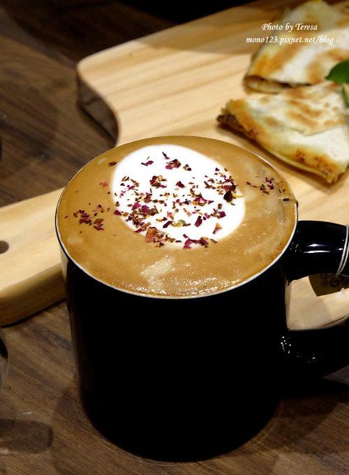1486137911 3248579369 - 熱血採訪︱台中西區︱黑浮咖啡 RÊVE Café@台中店.高雄人氣餐廳進駐公益商圈.有全天候的早午餐、義大利麵、燉飯、烤飯、下午茶和自家烘培咖啡豆