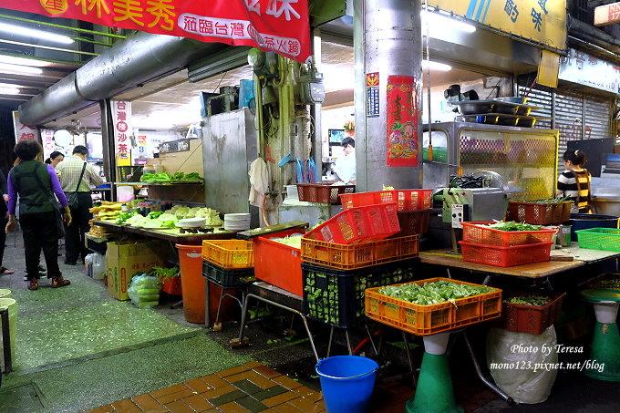 1488729758 2297971442 - 台中中區︱台灣陳沙茶.電子街裡的人氣沙茶火鍋,一賣超過30年,老闆超high也是店裡的一大賣點,近舊台中火車站