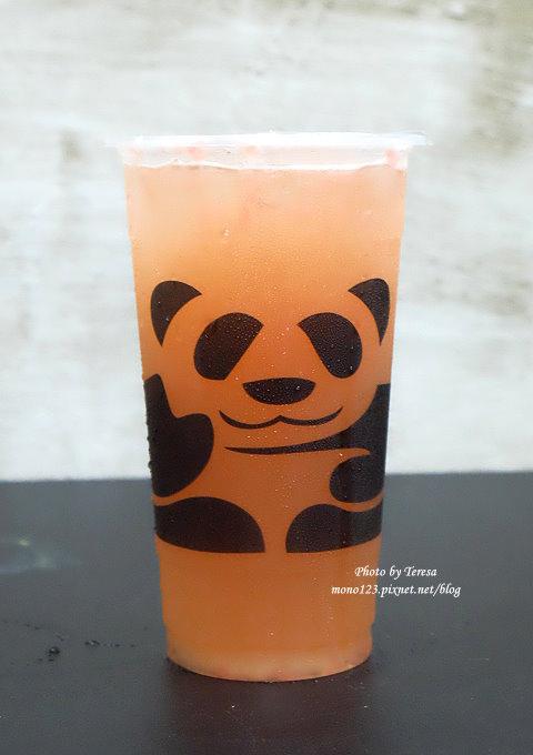 1499188047 1039252661 - 熱血採訪│三軒茶屋.萌萌的貓熊爬上杯子,吸睛又療癒,漸層的奶霜、鮮奶茶系列好喝度百分百,小三美日旁、新宿廣場對面