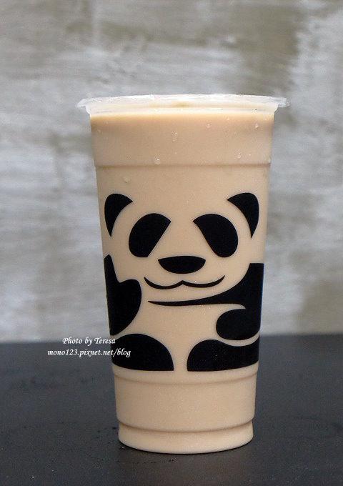 1499188056 1653307399 - 熱血採訪│三軒茶屋.萌萌的貓熊爬上杯子,吸睛又療癒,漸層的奶霜、鮮奶茶系列好喝度百分百,小三美日旁、新宿廣場對面