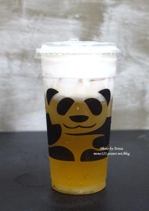 1499188060 1017955730 - 熱血採訪│三軒茶屋.萌萌的貓熊爬上杯子,吸睛又療癒,漸層的奶霜、鮮奶茶系列好喝度百分百,小三美日旁、新宿廣場對面