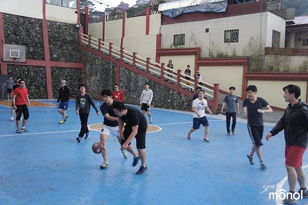 Monol學院足球比賽