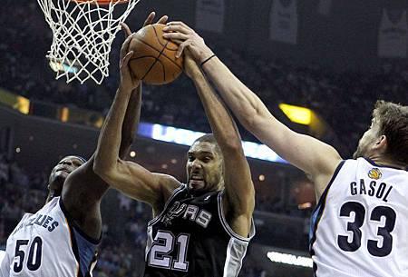 Duncan vs. Z-Bo/Gasol