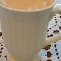 日安茶奶 有著象牙白的溫潤瓷杯.JPG