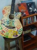 嘉義市玉山旅社:色彩繽紛的吉他