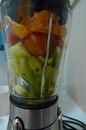 碰柑小番茄小黃瓜芹菜多多汁2.JPG