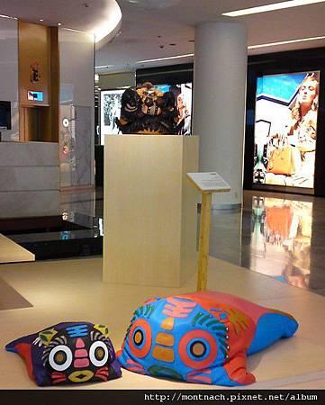 曼谷Emporium的龍年擺飾很可愛.JPG
