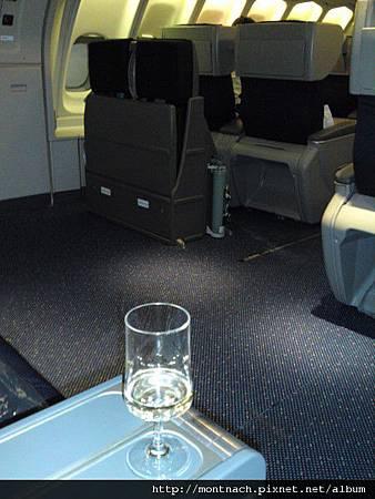 KLM upperdeck 77K是我最喜歡的位子(TPE-BKK).JPG