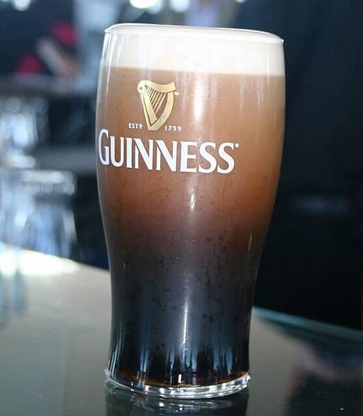 在頂樓The Gravity Bar享用Guinness.jpg