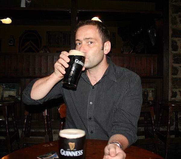 迫不及待在都柏林喝下第一杯Guinness (Milligan's).jpg