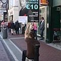 都柏林市區常見的人力招牌.jpg