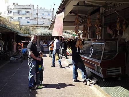 常來Maarif的市場買鄉村雞.jpg