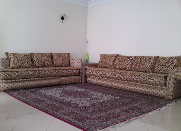 或坐或臥兩相宜的摩洛哥式客廳.jpg