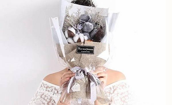愛禮物 推薦 評價 畢業禮物推薦 娃娃花束 乾燥花束 大學高中研究所 2019禮物清單 創意禮_11.jpg