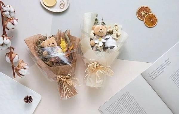 愛禮物 推薦 評價 畢業禮物推薦 娃娃花束 乾燥花束 大學高中研究所 2019禮物清單 創意禮_34.jpg