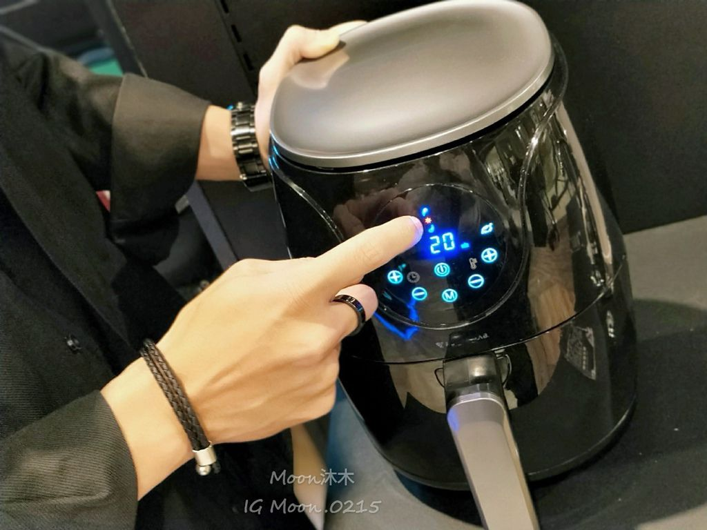 未來實驗室評價 開箱 品質推薦 電腦椅 平價氣炸鍋 開箱空氣清淨機_200303_0019.jpg