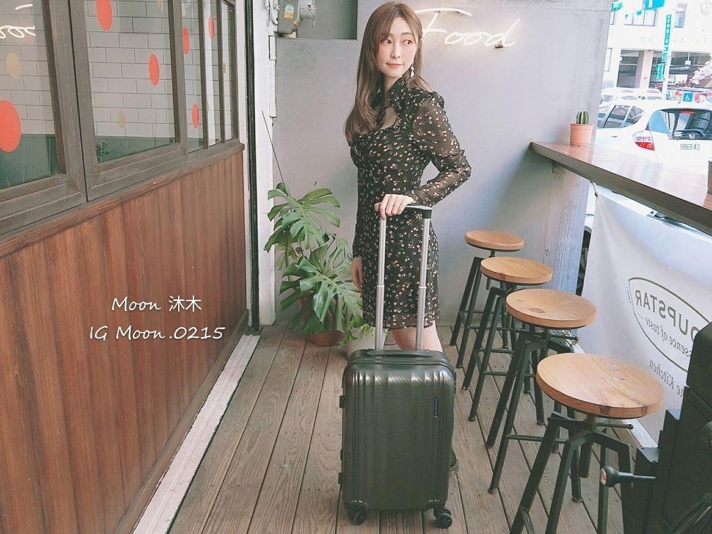 行李箱20吋 登機箱推薦 超輕_200308_0004.jpg
