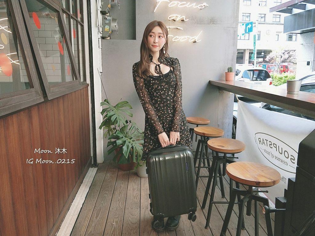 行李箱20吋 登機箱推薦 超輕_200308_0005.jpg