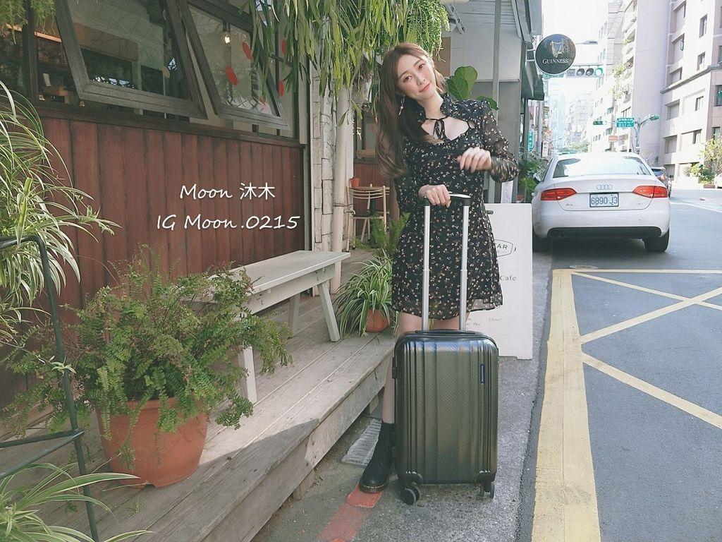 行李箱20吋 登機箱推薦 超輕_200308_0003.jpg