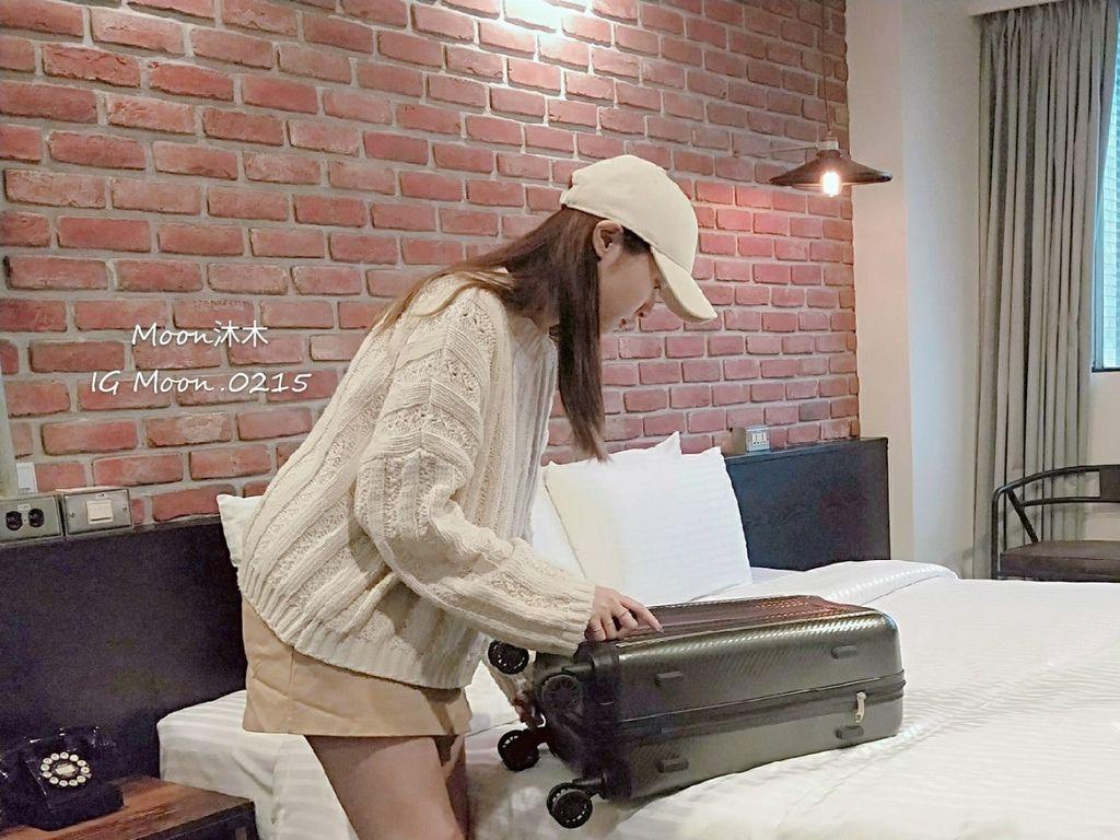 行李箱20吋 登機箱推薦 超輕_200310_0028.jpg
