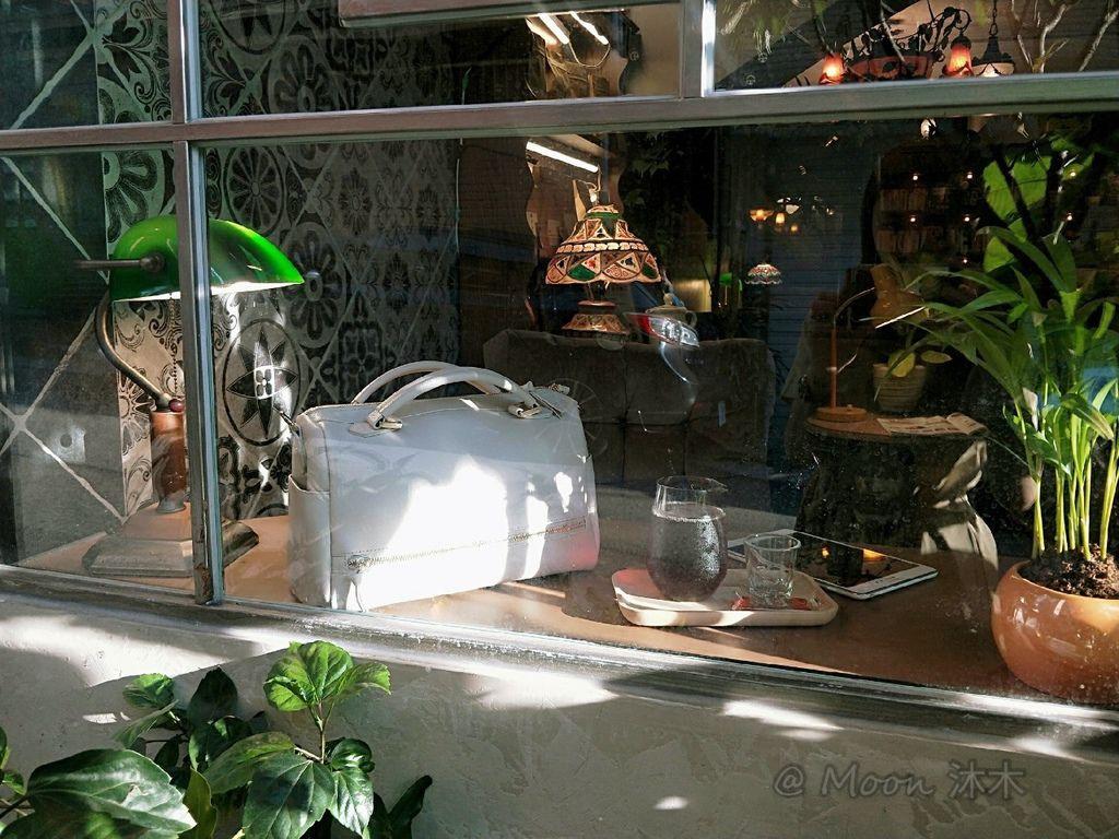 夏秋季一週穿搭RM包包 ROBINMAY 包包評價 新款 門市地址 繡球幾何手提包 熱賣包_200701_57.jpg
