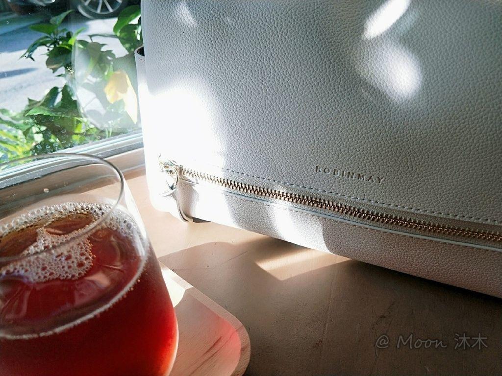 夏秋季一週穿搭RM包包 ROBINMAY 包包評價 新款 門市地址 繡球幾何手提包 熱賣包_200701_58.jpg