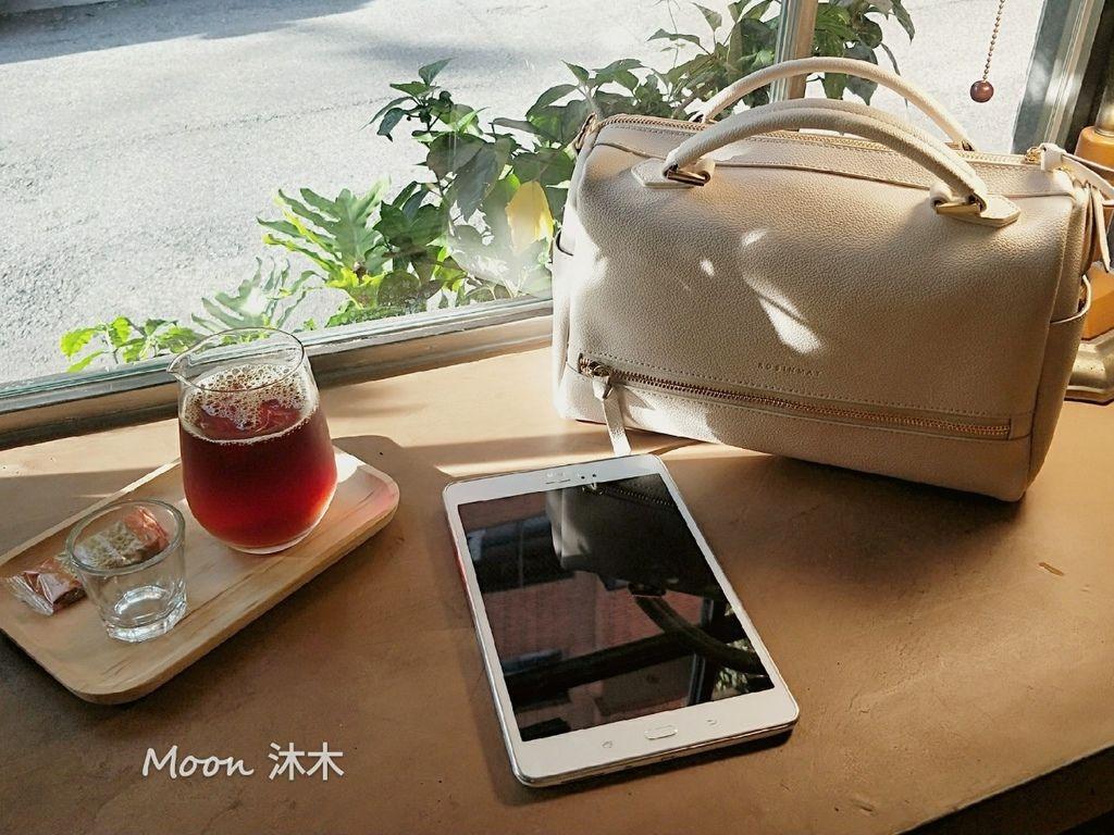 夏秋季一週穿搭RM包包 ROBINMAY 包包評價 新款 門市地址 繡球幾何手提包 熱賣包_200701_80.jpg