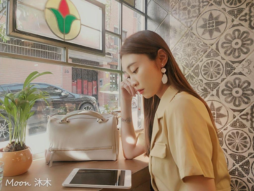 夏秋季一週穿搭RM包包 ROBINMAY 包包評價 新款 門市地址 繡球幾何手提包 熱賣包_200701_85.jpg