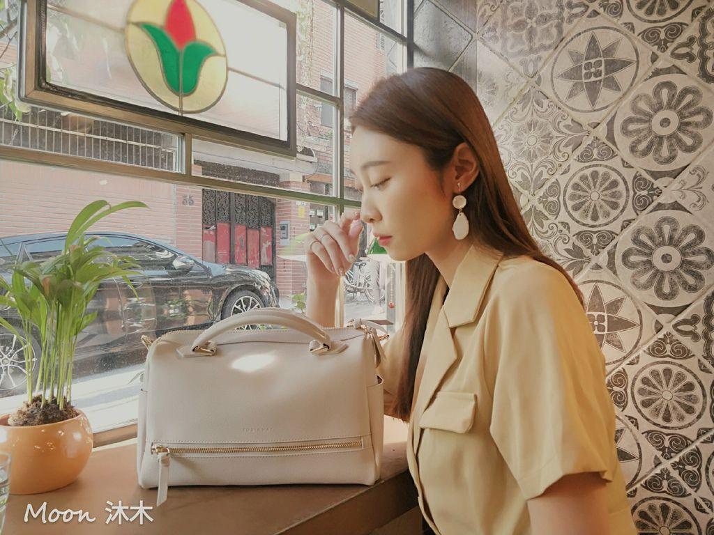 夏秋季一週穿搭RM包包 ROBINMAY 包包評價 新款 門市地址 繡球幾何手提包 熱賣包_200701_84.jpg